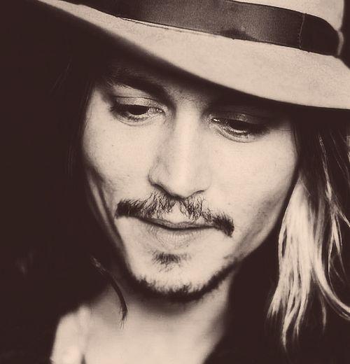 Johnny-Love him as Captain Sparrow <3