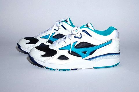 mizuno volleyball tennis shoes 608