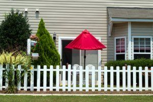 Renewing Vinyl Siding | Stretcher.com - How to make your old vinyl siding look new again