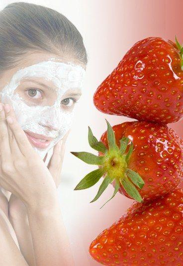 Gesichtsmaske mit Erdbeeren - Gesichtsmasken selbermachen: 10 Rezepte für tolle Haut