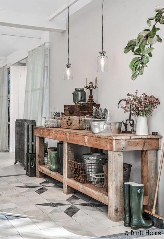 Meuble Patine Etable Maison De Famille Maison De Campagne Deco Campagnarde Decoration Interieure Deco Idees De Decor