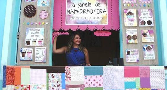 Iara Battoni e a Janela da Namoradeira: decoração muda periodicamente para atrair clientes (Foto: Divulgação)