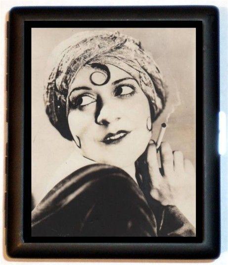 Roaring Twenties Flapper Girl wearing Turban: