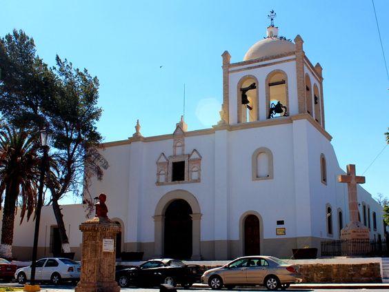 Iglesia de San Ignacio de Loyola, en el centro de Parras.