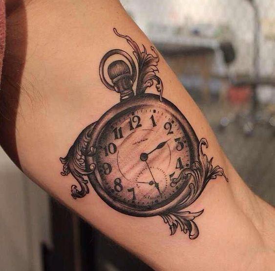 Taschenuhr-Tattoos, Taschenuhren and Uhren on Pinterest