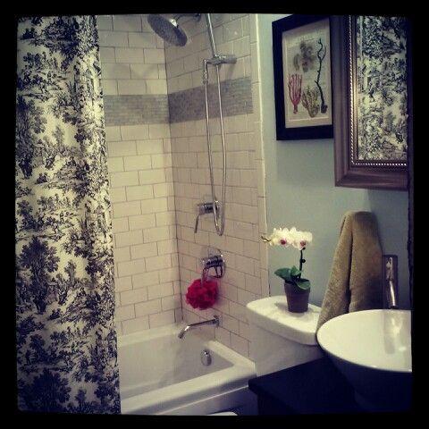 Tiny bathroom remodel benjamin moore glass slipper Benjamin moore glass slipper living room