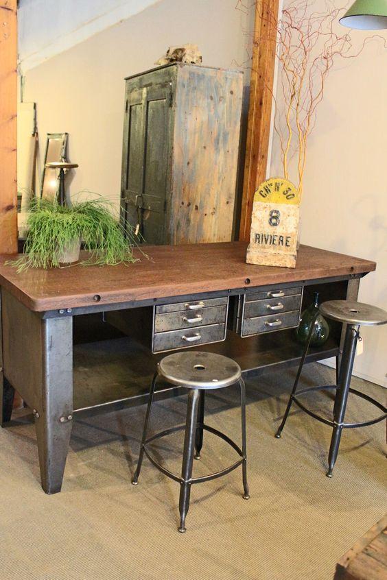 Mobilier industriel - Etabli industriel métal et bois.  Www.ma-petite-boutique.fr: