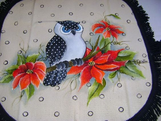 Detalhe Jogo de Banheiro Corujinha com Bico de Papagaio - By Tecart-Esther