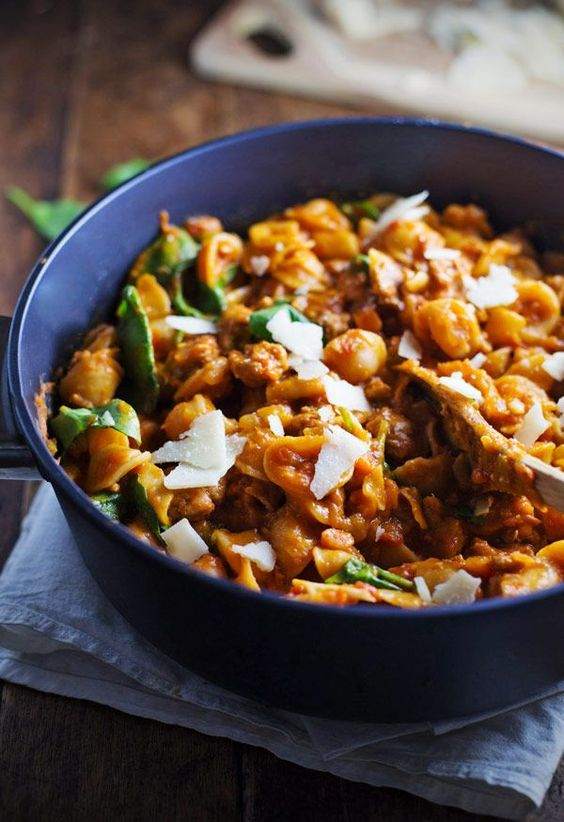 Simple San Marzano Pasta e Fagioli - this comforting dish is easy to prepare and FULL of flavor. Healthy, too! | pinchofyum.com