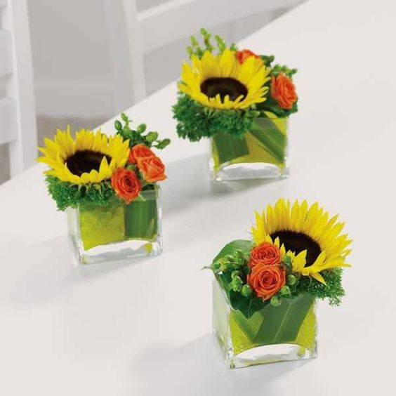 Flower Centerpiece Ideas | Simple Fall Flower Arrangements Make Gorgeous Party Table Centerpieces