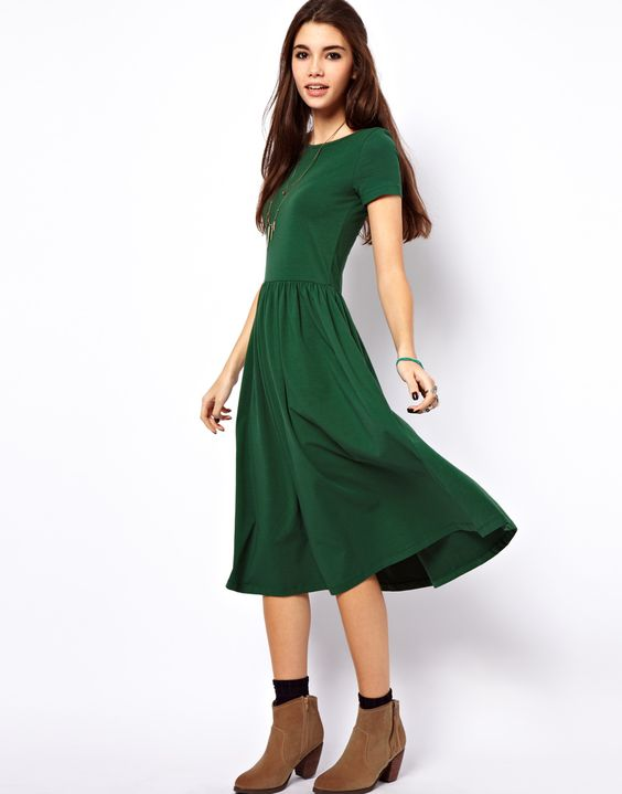 Midi Dress With Short Sleeves - Green dress- Sleeve and Casual fall
