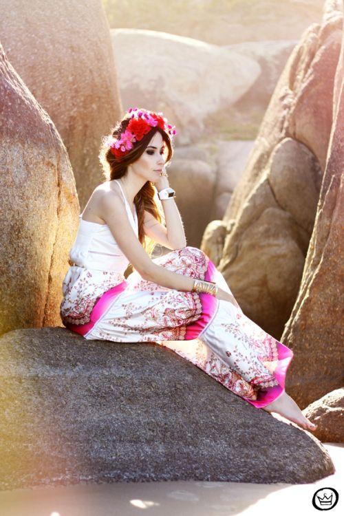 http://fashioncoolture.com.br/2013/11/08/look-du-jour-sweet-salvation-3/