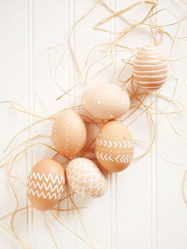 white pen | easy easter ideas: Easter Idea, Paint Pens, Easteregg, Decorating Easter Egg, Brown Eggs, White Paint, Holidays Easter, Easter Eggs