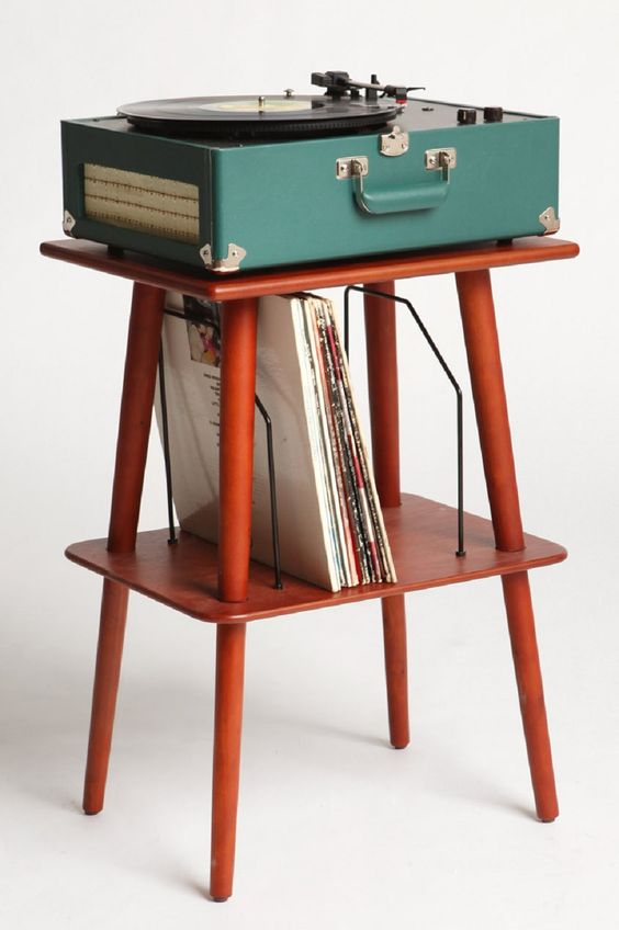 embrace your inner Mad men style with this clever stand - Urban Outfitters #groomedandglossy