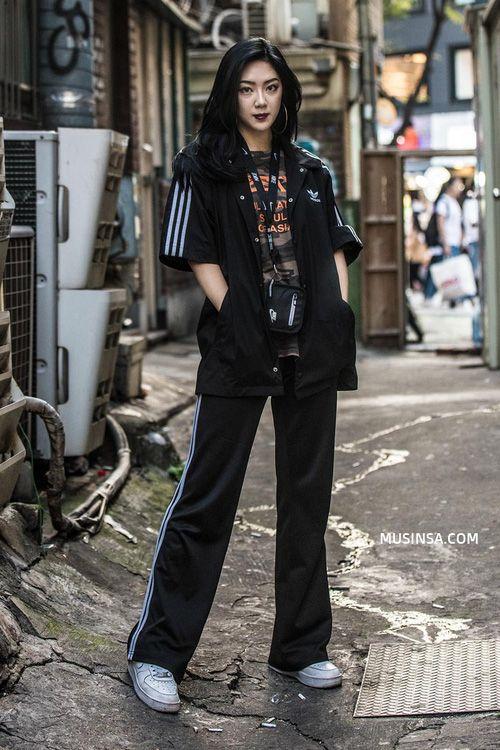 Lại phải xuýt xoa với street style thu đẹp khỏi bàn cãi của giới trẻ Hàn - Ảnh 11.