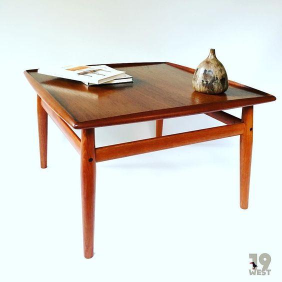 Coffee Table entworfen in den 60ern von Grete Jalk. Bald auf www.19west.de. #19west #design #vintage #retro #danish #danishdesign #20thcentury #interior #interiordesign #teak #table #tisch #gretejalk