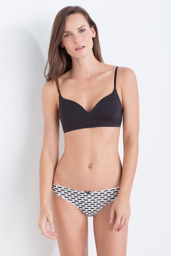 Padded triangular pull on bra