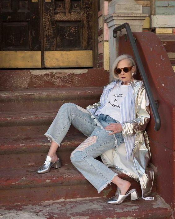 Unos periodistas confundieron a esta profesora de 63 años con un icono de la moda, y le ha cambiado la vida