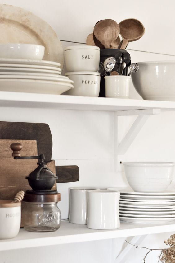 How to style open shelving in 8 easy steps. Styling open kitchen shelving doesn't have to complicated. Follow these simple steps for white rustic DIY farmhouse shelves in your home. #rockyhedgefarm #openshelving #rusticfarmhouse #simplefarmhouse #farmhousekitchen