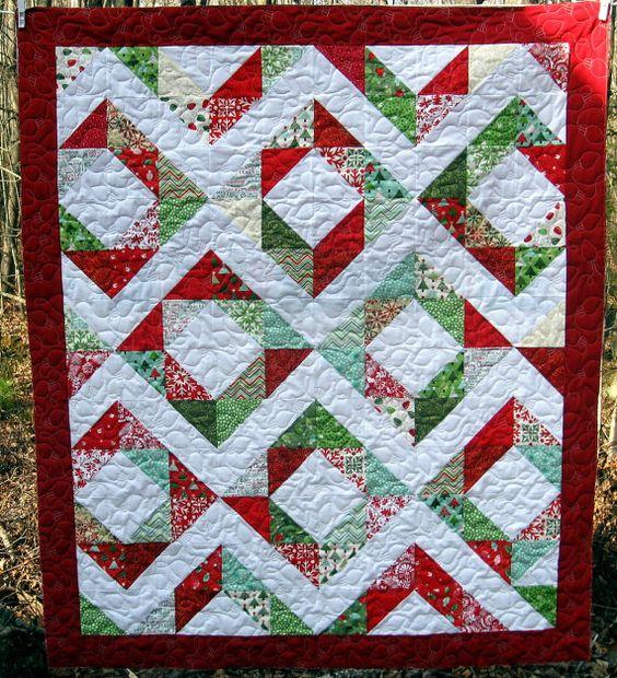 Modern Quilt // Modern Christmas Quilt // by ModernQuiltDesigns: