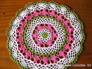 Toalhinha_de_crochet_coelhinhos_small2