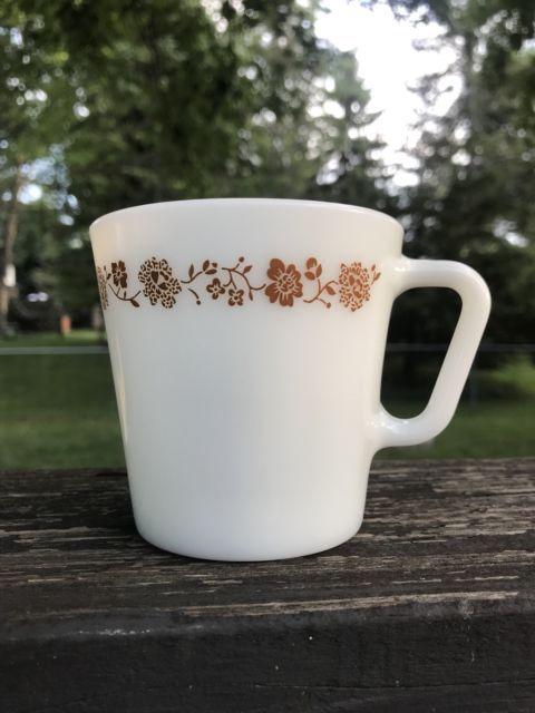 Vintage Pyrex 1410 10 Oz Coffee Tea Cup Mug Butterfly Gold D Handle Euc Ebay Pyrex Vintage Mugs Pyrex
