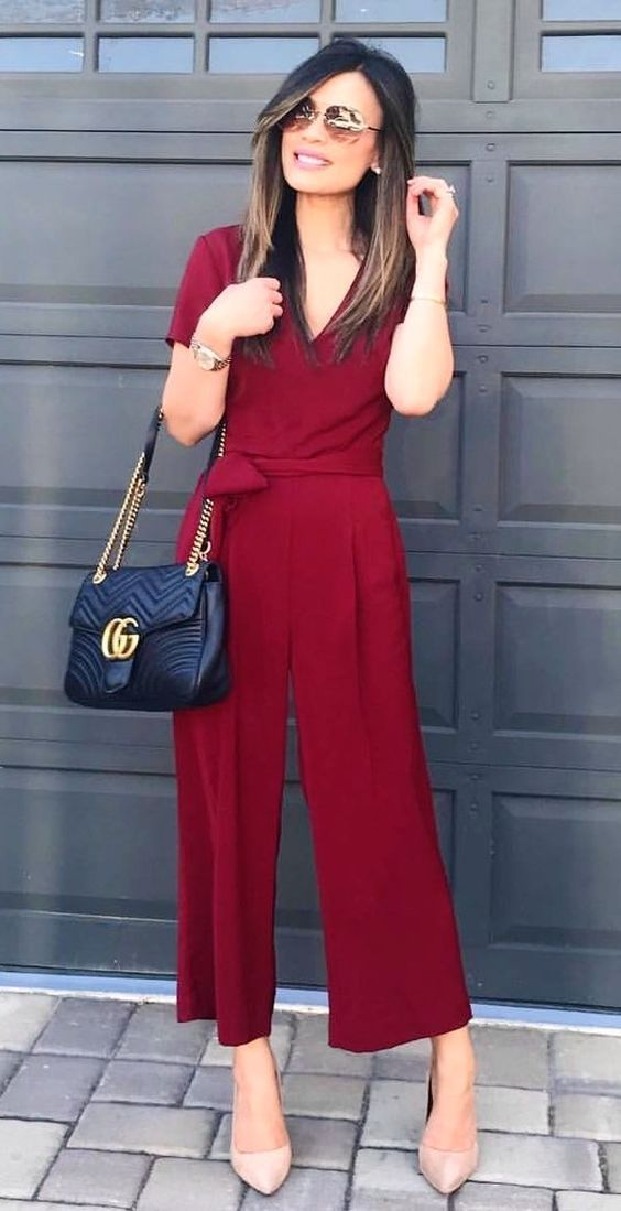 #fall #outfits maroon V-neck jumpsuit.