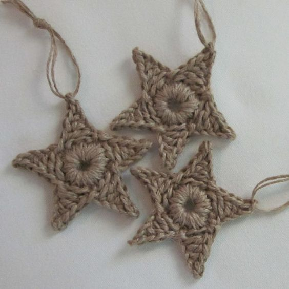 primitive jute star ornaments. Went to a few little country shops yesterday and found some of the CUTEST country and star ornaments for the tree this year!!! Cant wait. P