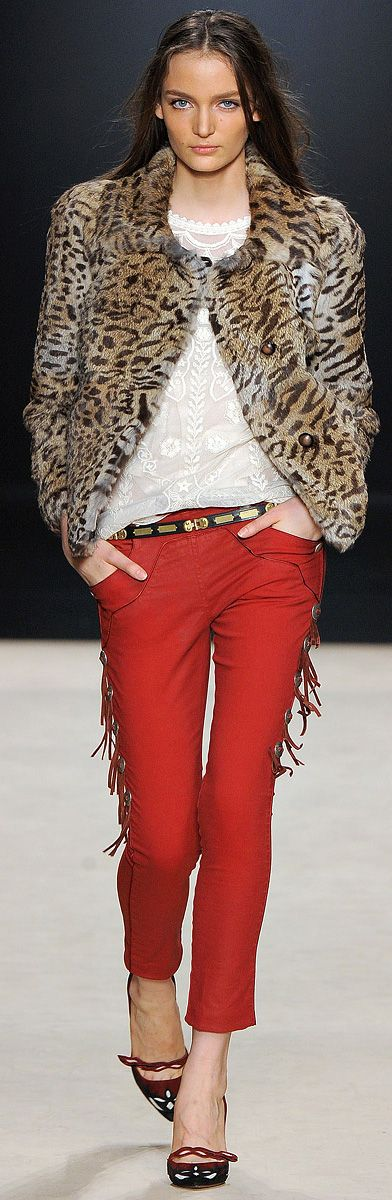 ✪ Isabel Marant RTW Fall 2012 Animal Print Jacket ✪ http://www.vogue.com/collections/fall-2012-rtw/isabel-marant/review/#/collection/runway/fall-2012-rtw/isabel-marant/18