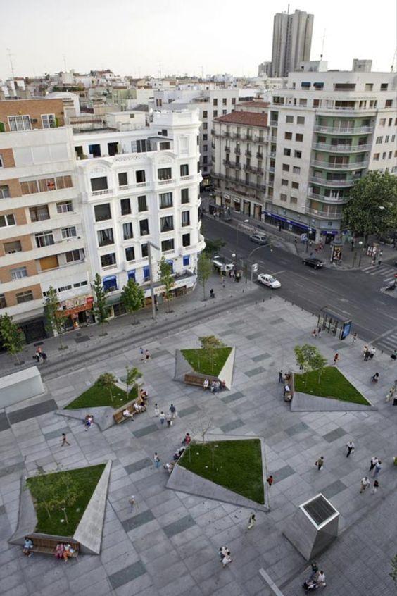 Mangado architects plaza dal madrid click on image for Courtyard landscaping ottawa
