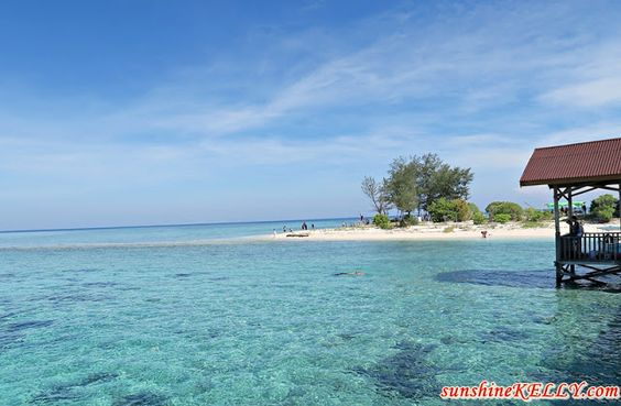 It is worth to visit Kodingareng Keke Island when you are in Makassar
