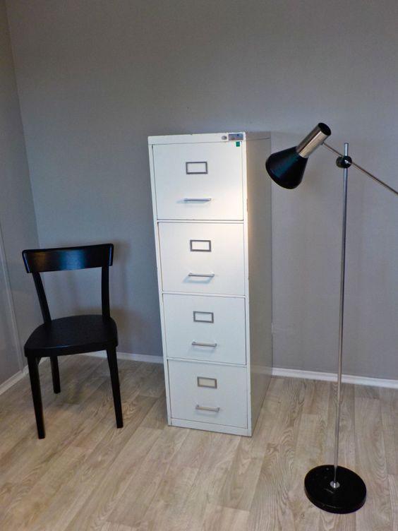 retrosalon vielseitiger metallschrank mit 4 ausz gen f r ehemals h ngeregister industrial. Black Bedroom Furniture Sets. Home Design Ideas