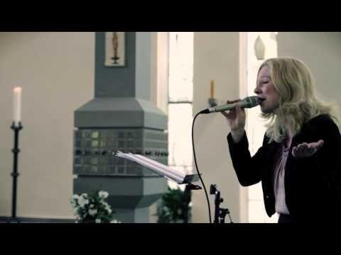 """Hochzeitslied """"Ja"""" (Silbermond Coverversion) in der Kirche gesungen von Sängerin Annett - YouTube"""