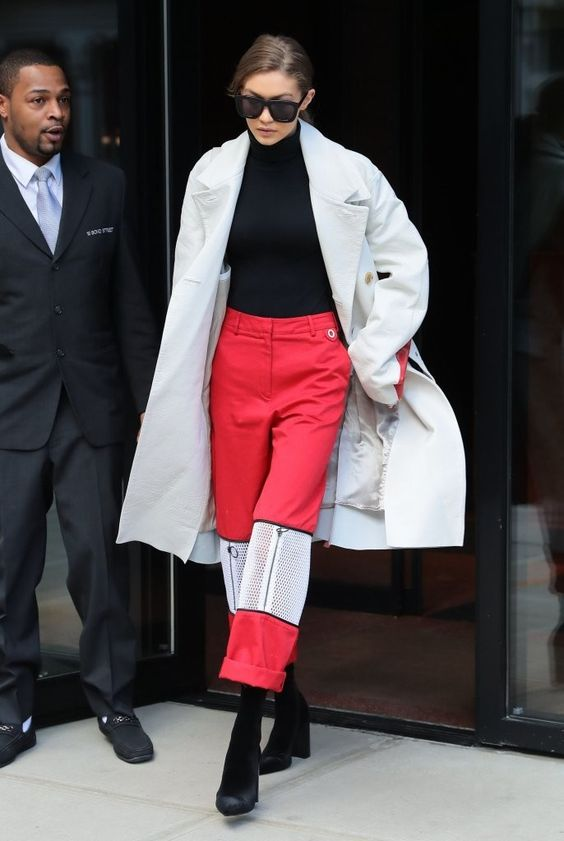 Gigi_Hadid_Gigi_Hadid_Steps_Out_NYC_5NXxdNKBhCHx.jpg