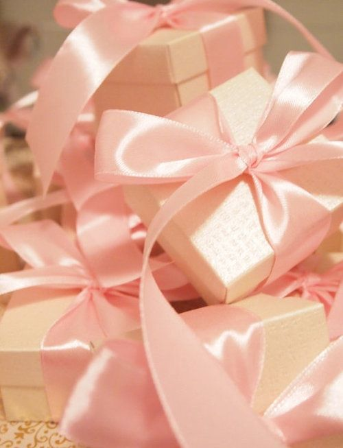 Simple but pretty satin bows: