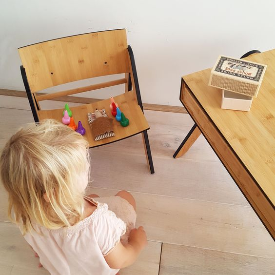 WeDoWood Geo's table and Lily's chair, 100% sustainable bamboo. For toddlers 2-5 years. Kids furniture with a story, more in our online shop.