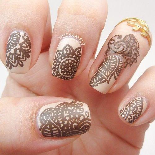 Henna nails. Nail art.