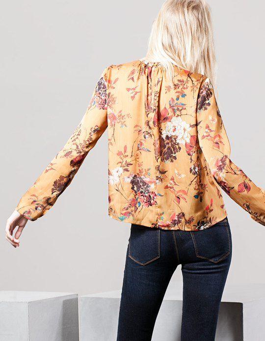 Na Stradivarius encontrarás 1 Camisa flores gola perkins para mulher por apenas 19.95 Portugal . Entra agora e descobre-o juntamente com mais BLUSAS.