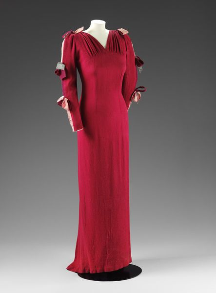 Evening Dress by Eva Lutyens. Late 1930s. Collection of V&A Museum. Image via Pinterest.