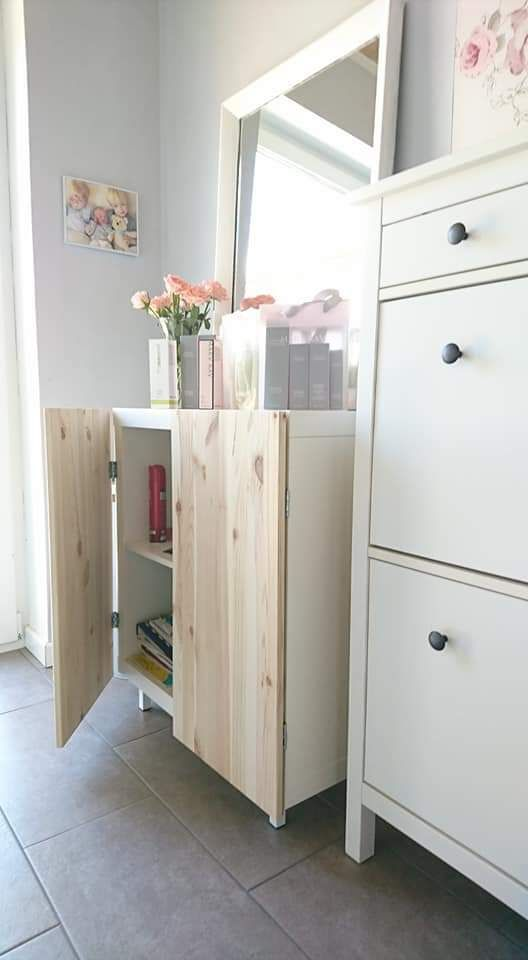 Ikea Kallax Einmal Anders Frau Praktisch In 2020 Ikea Mobel Hacks Regal Mit Turen Kallax