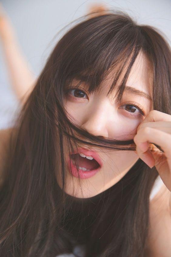 鈴木愛理ロングヘア―が乱れてセクシー