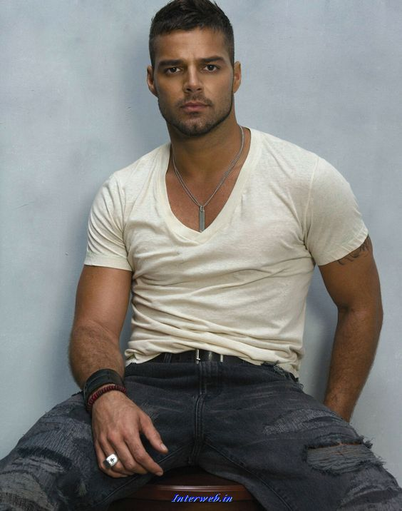 Google Image Result for http://www.whitegadget.com/attachments/pc-wallpapers/50809d1299879024-ricky-martin-ricky-martin.jpg