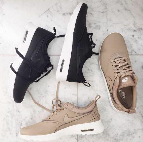 Nike Air Max Thea Print Beige Braun