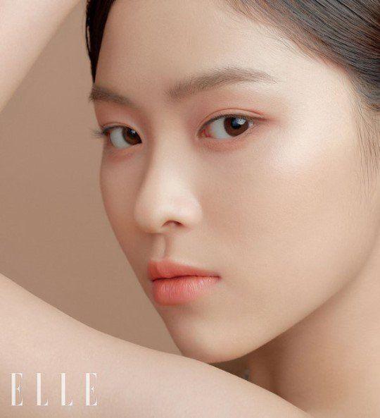Itzy Show Off Their Flawless Skin In Elle Koogle Tv Elle Magazine Itzy Makeup Looks