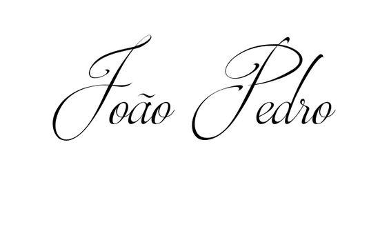 Tatuagem do nome João Pedro utilizando o estilo Brotherhood Script Regular