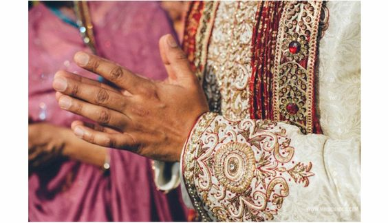 South Asian Wedding Photography| Wedding Details| Toronto Wedding Photographer| Style Me Pretty| Lifestyle photography| MIMMO&CO|Royal Canadian Yacht Club| RCYC | SMP feature