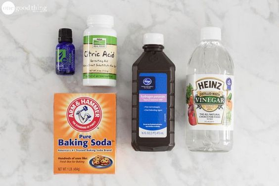 """You might recall a post I wrote a few months ago about how to make your own fizzy toilet bombs. Those tabs are great for """"freshening up"""" your toilet in between cleanings, but sometimes you need more f"""