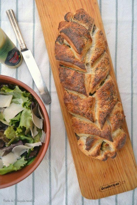 Entrançado de cogumelos, bacon, espinafres e queijo fresco - http://gostinhos.com/entrancado-de-cogumelos-bacon-espinafres-e-queijo-fresco/