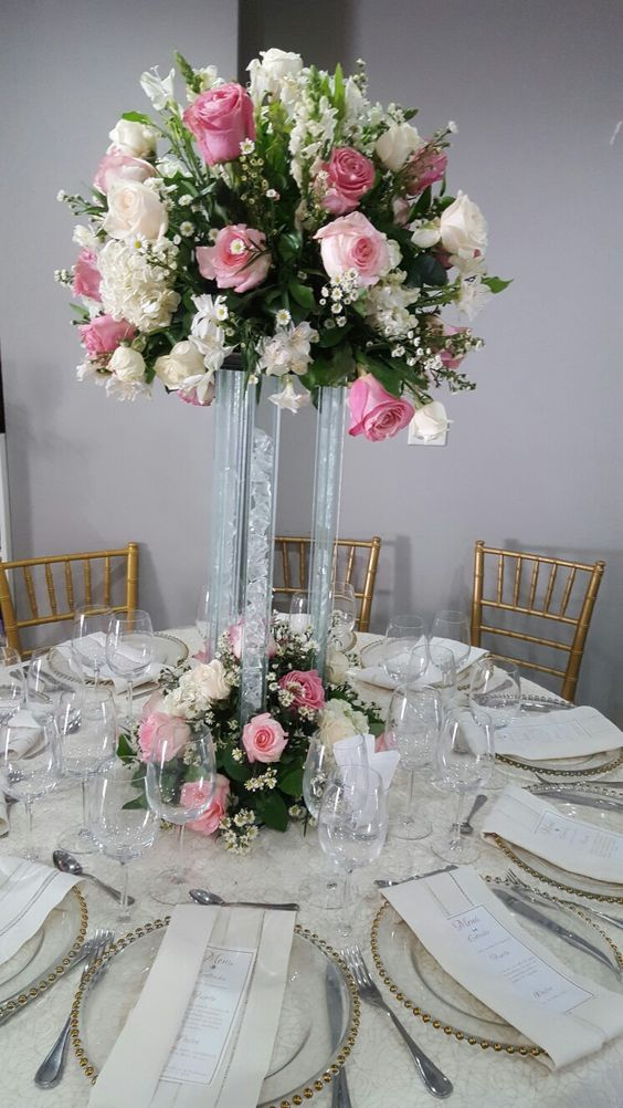 Mesa en rosa pastel