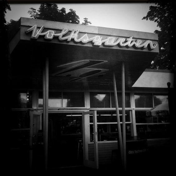 Café Volksgarten 1/2. Fotografie: Moka Consorten